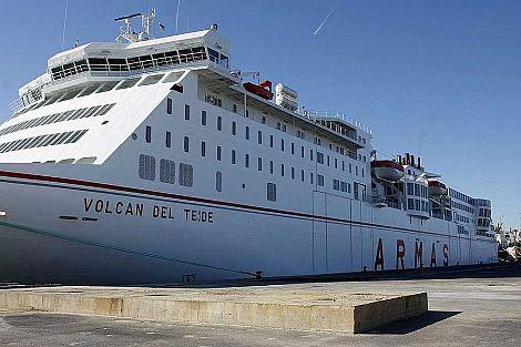 Los pasajeros de las rutas Huelva-Canarias suben un 35% en el primer semestre