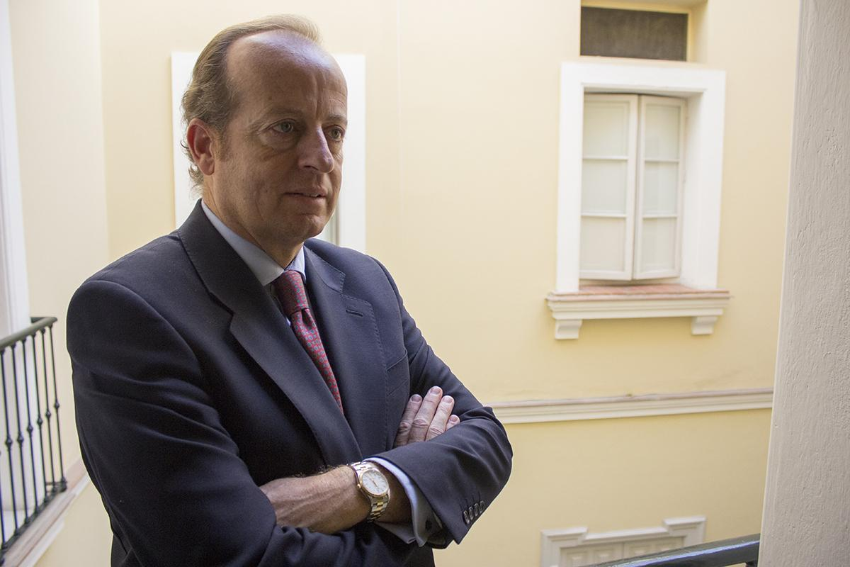 Marcos Camacho, decano emérito de los abogados de Jerez, recibe la Cruz de San Raimundo