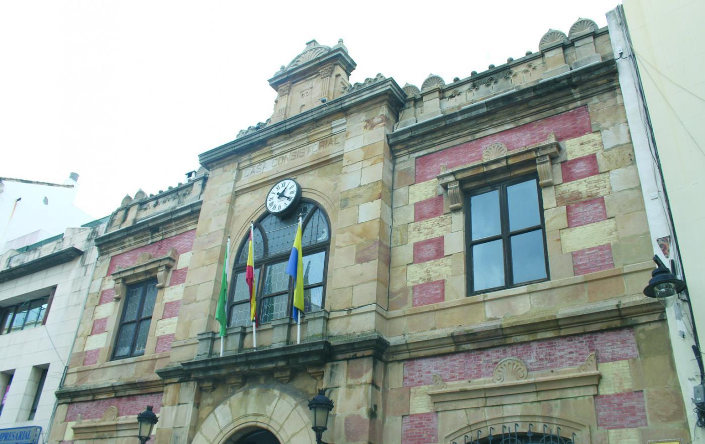 Algeciras le da el nombre de Padre Cruceyra a un tramo de la calle Huertas