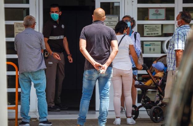 Los andaluces podrán volver a ver al médico a partir del 2 de marzo