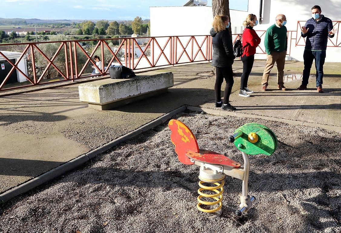 Comenza la instalación de 14 parques biosaludables en barriadas rurales de Jerez