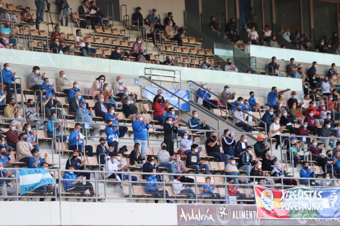 Vuelve el público a los estadios de fútbol