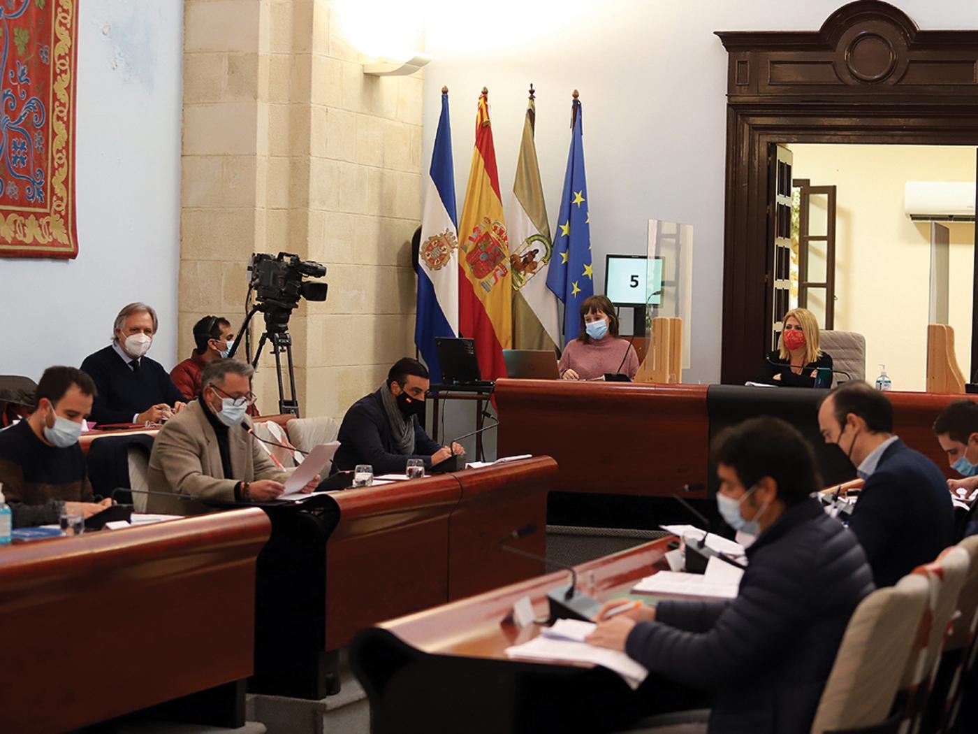 El Pleno escenifica la ruptura entre el Gobierno local de Jerez y sus socios naturales