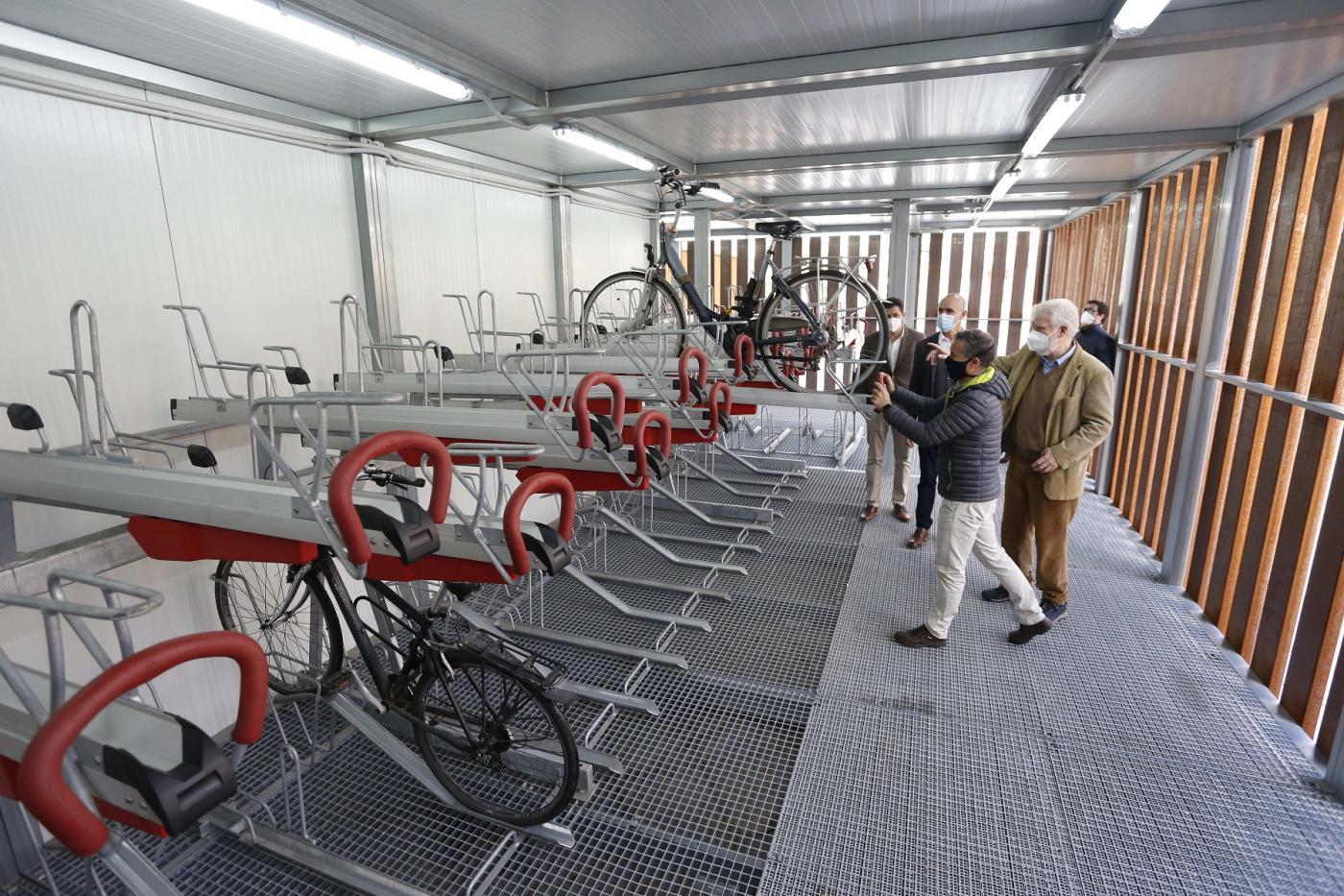 Urbanismo no quitará la estación de bicis de San Bernardo para ubicarla en otra zona