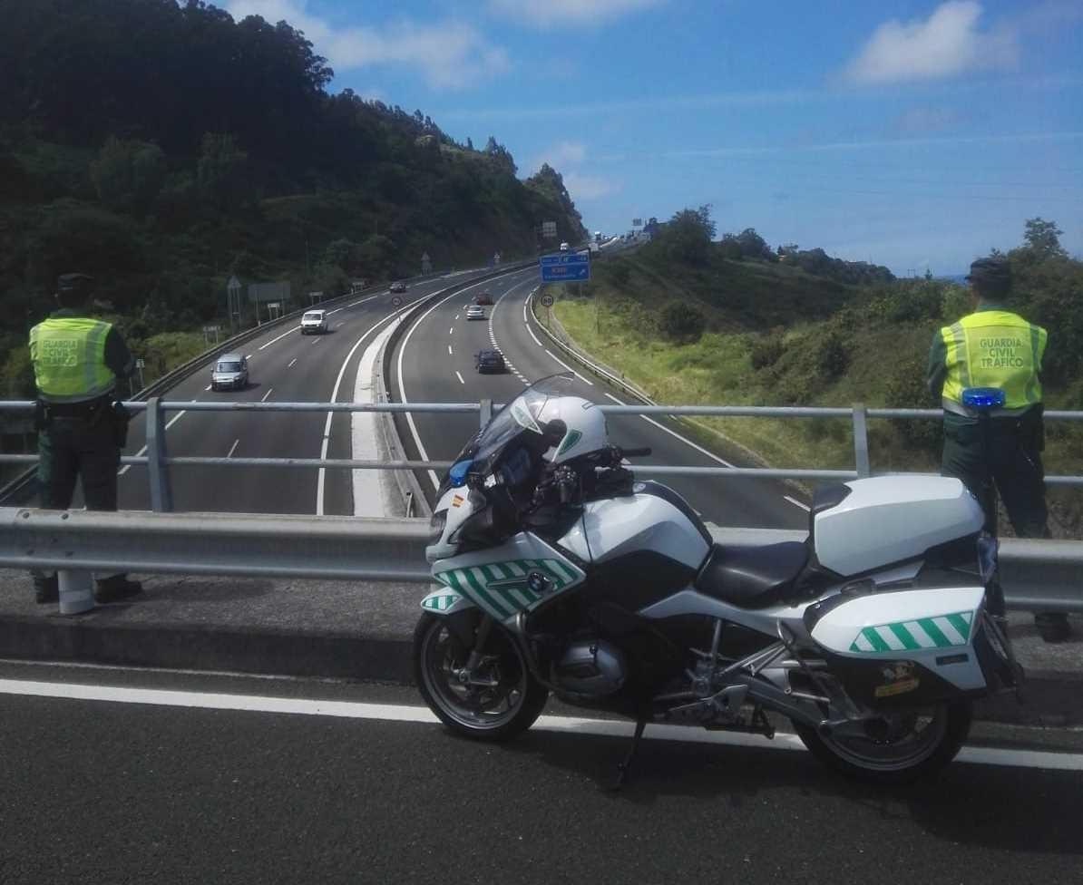 Motoristas de la Guardia Civil de Tráfico. Europa Press