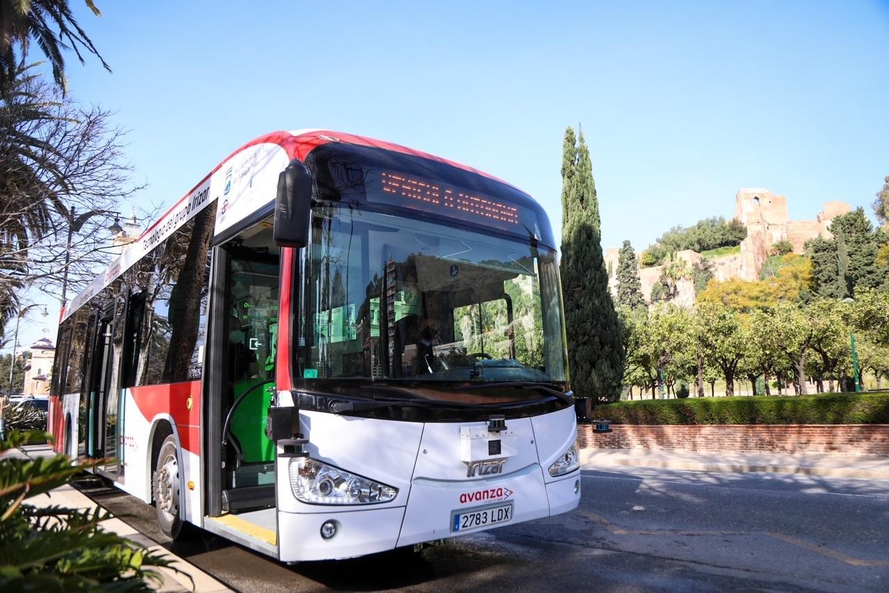 Presentación del nuevo bus.