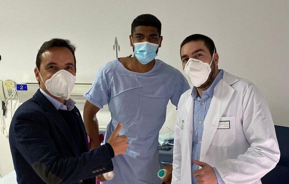 Álvaro Telis, tras su operación.
