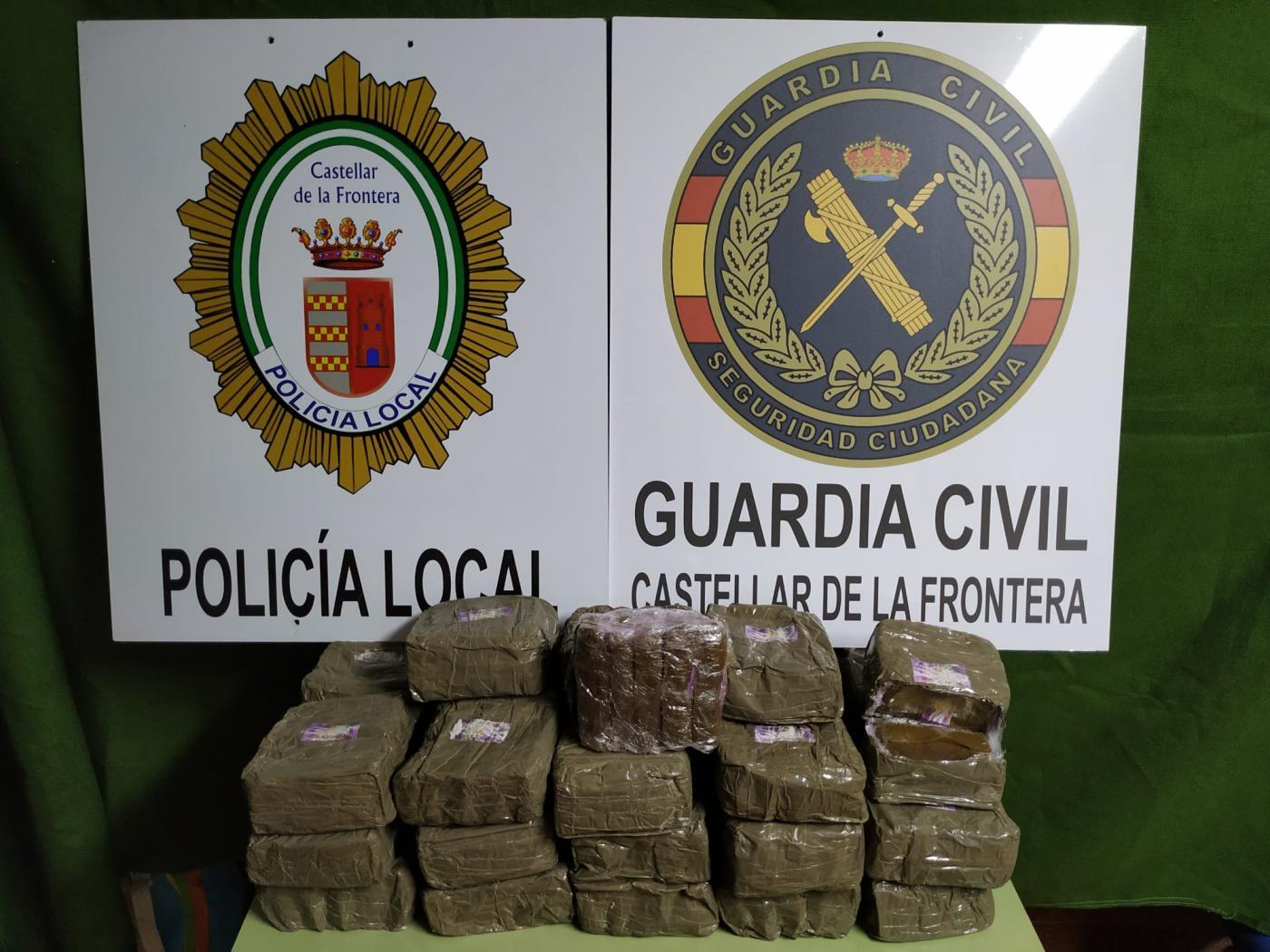 Hallados 17 kilos de hachís en el maletero de un coche en Castellar