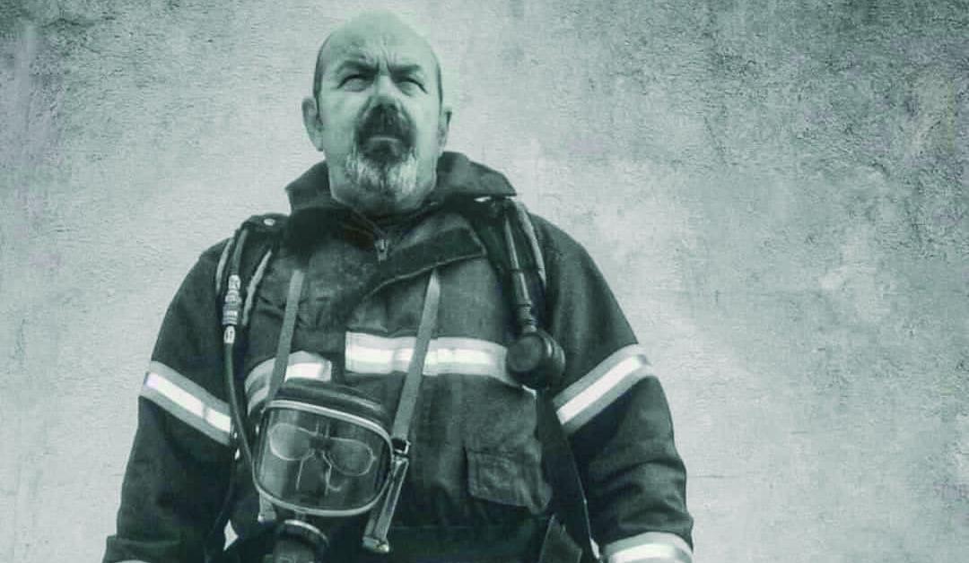 Pesar en Jerez por la muerte por Covid del bombero y fotógrafo Tato Cirera