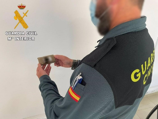 La Guardia Civil interviene una tableta de hachís en La Mojonera