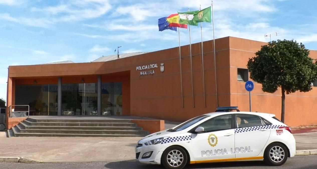 La Policía Local frustra un intento de okupación ilegal en una vivienda de Rota