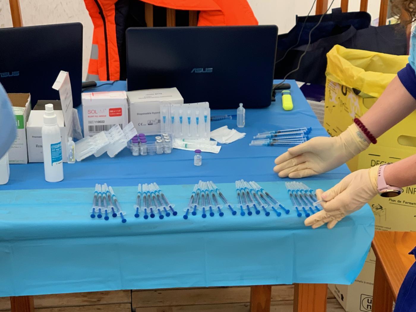 Rota suma tres nuevos casos positivos de coronavirus durante este viernes