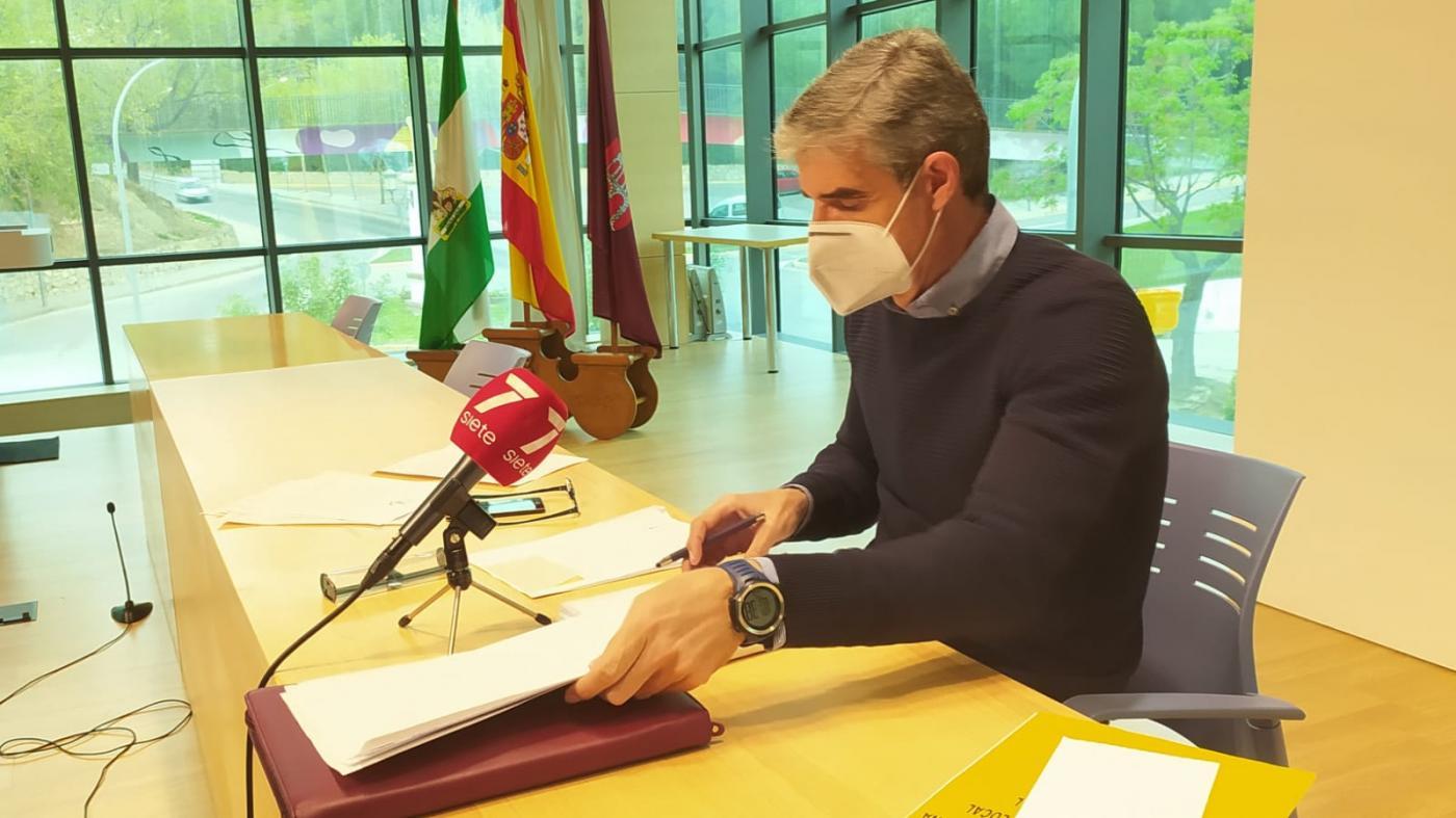 El alcalde asegura que si Arcos rechaza el 'Ciudad Amable', el proyecto no se hará