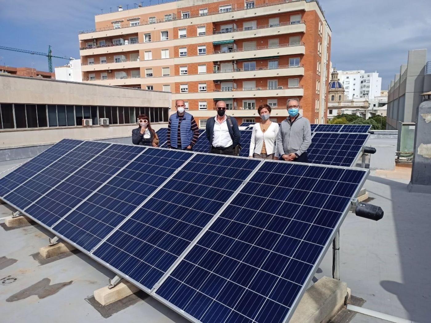 Estudian colocar una planta fotovoltaica de autoconsumo en el Mercado Central de Cádiz