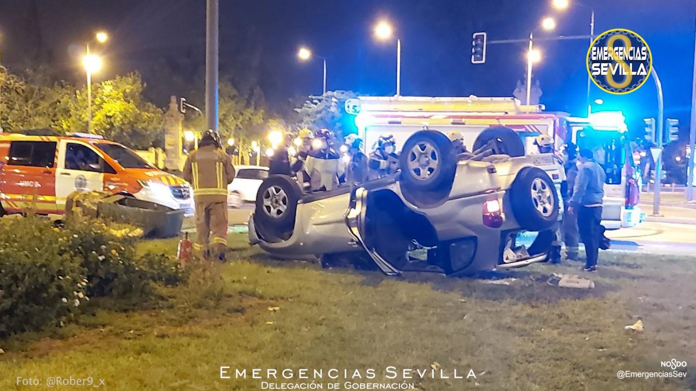 Tres heridos en un accidente provocado por un conductor ebrio en Sevilla