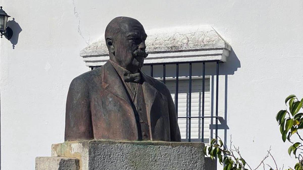 VOX propone un nuevo monumento al historiador Miguel Mancheño