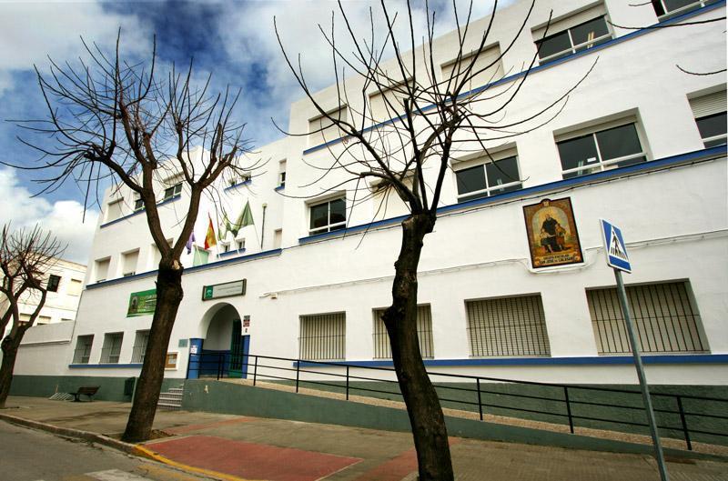 Confinada una clase y cuatro profesores del San José de Calasanz por un caso positivo