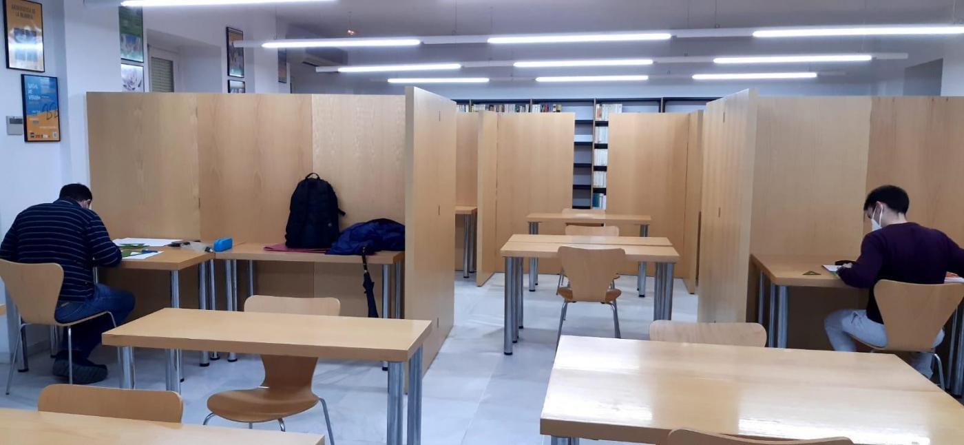La UNED prepara exámenes telemáticos para unos 3.000 alumnos de Cádiz