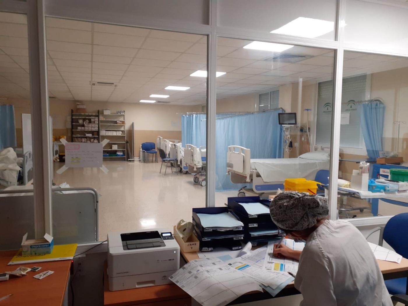 Cádiz baja del centenar de hospitalizados por Covid por vez primera desde el 28 de marzo