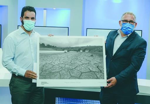 Miguel Lorenzo Vilches, ganador de este año con una imagen en blanco y negro