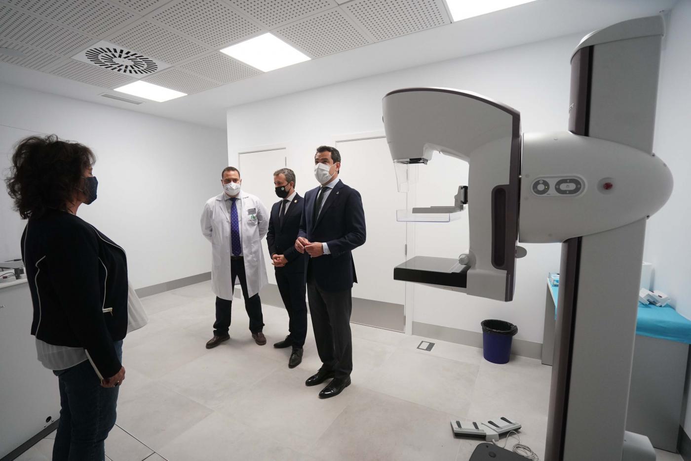 Moreno inaugura las Urgencias del centro de salud del Bulevar en Jaén