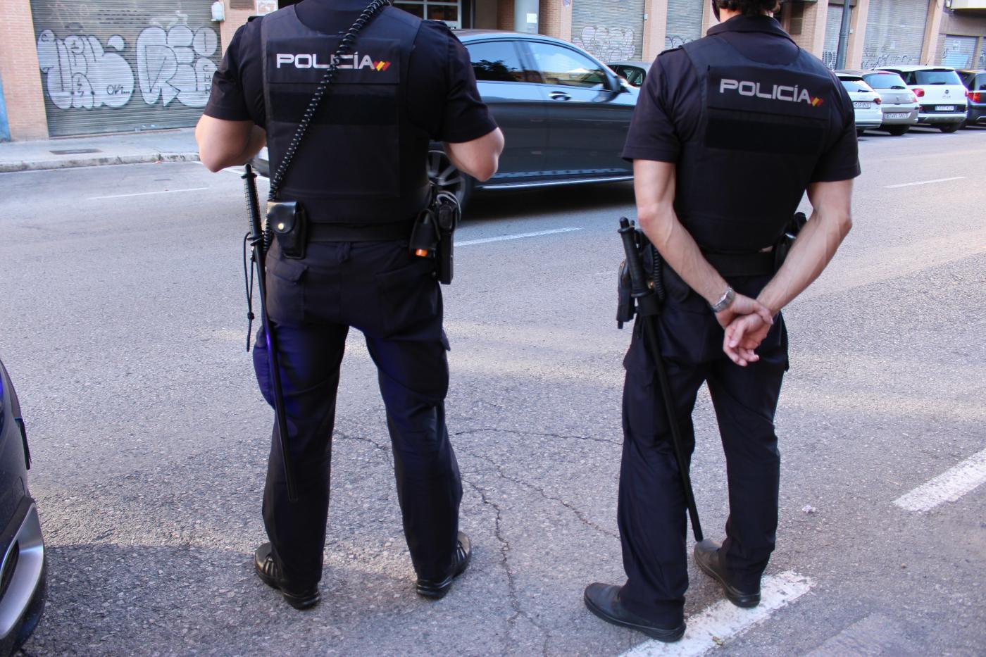 Detenido un anciano de 72 años por 27 incendios en videoporteros del Centro de Sevilla