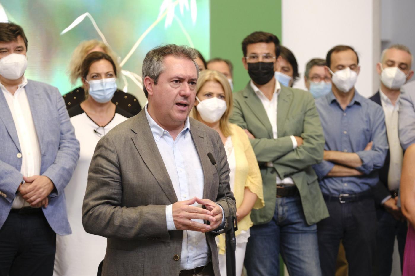 Espadas reclama a Juanma Moreno que se reúna con los alcaldes andaluces