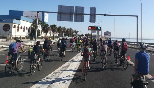 """La Ampec celebra """"el buen entendimiento"""" con el Ayuntamiento de Cádiz"""