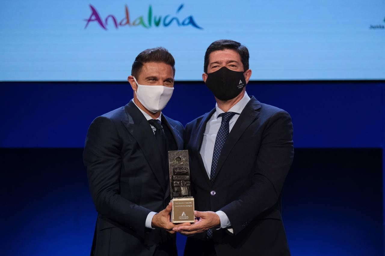 El portuense Joaquín Sánchez recibe el premio Embajador de Andalucía de Turismo