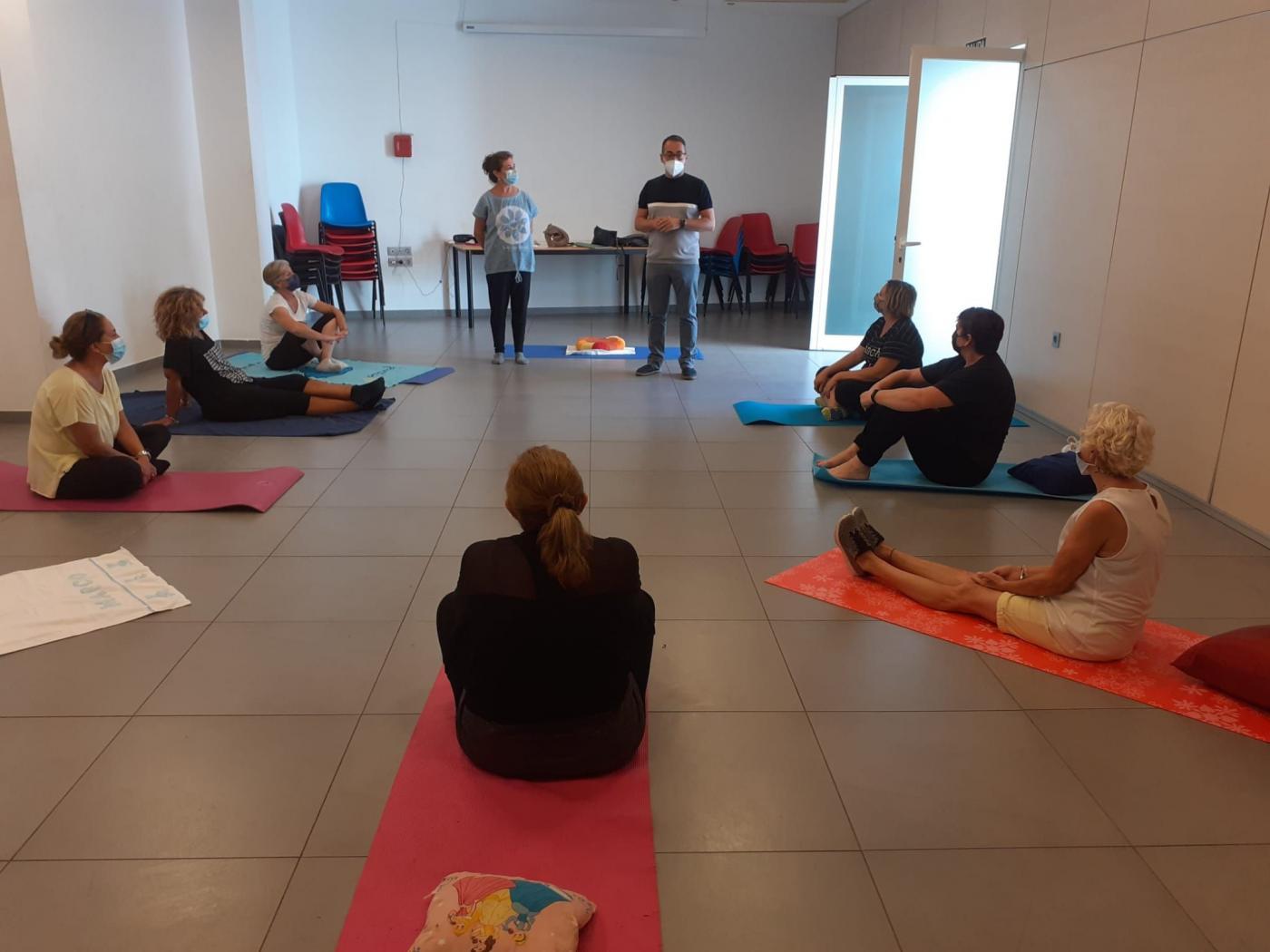 El Ayuntamiento pone en marcha un taller de salud para los participantes en la Eracis