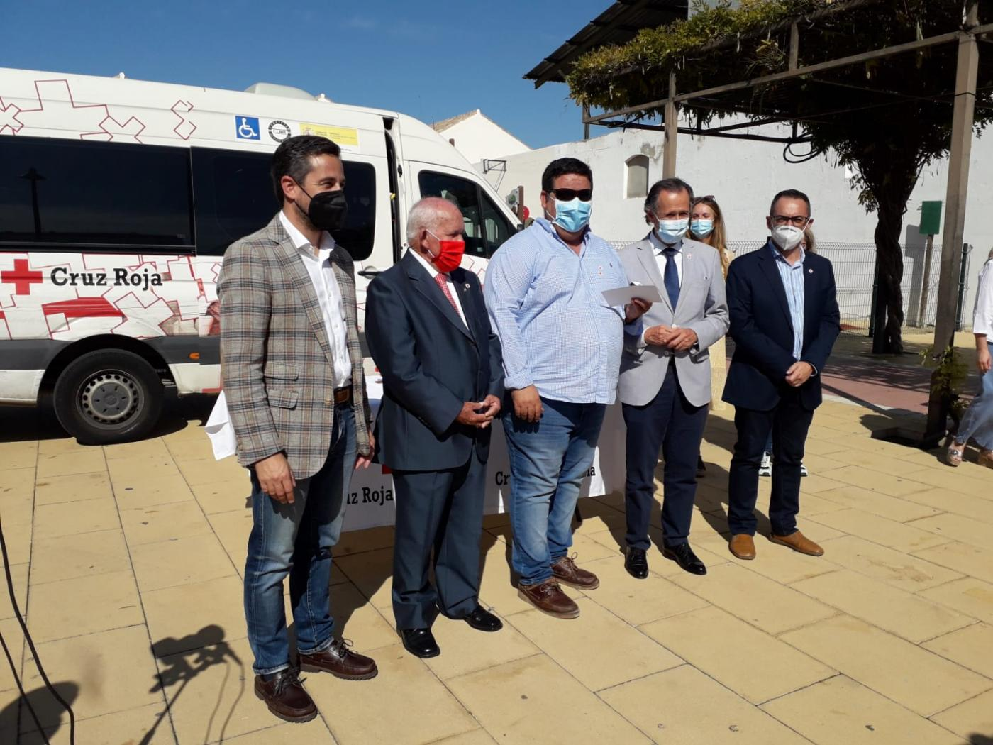 Cruz Roja reconoce a socios, voluntarios y empresas colaboradoras el Día de la Banderita