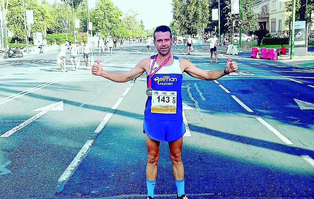 Juanjo Porrúa rebaja sus tiempos en el Medio Maratón de Sevilla