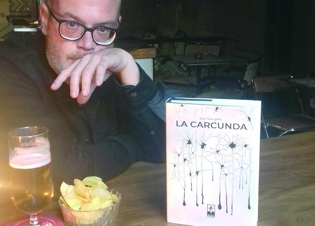 """El escritor jiennense Jesús Tíscar publica su undécima novela, """"La carcunda"""""""