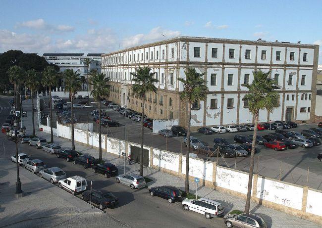 Diputación de Cádiz y UCA exigen a la Junta una solución para el edificio de Valcárcel