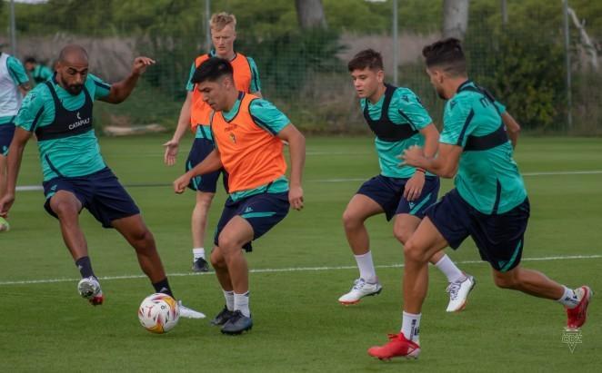 Villarreal CF y Cádiz CF, duelo de necesitados en La Cerámica