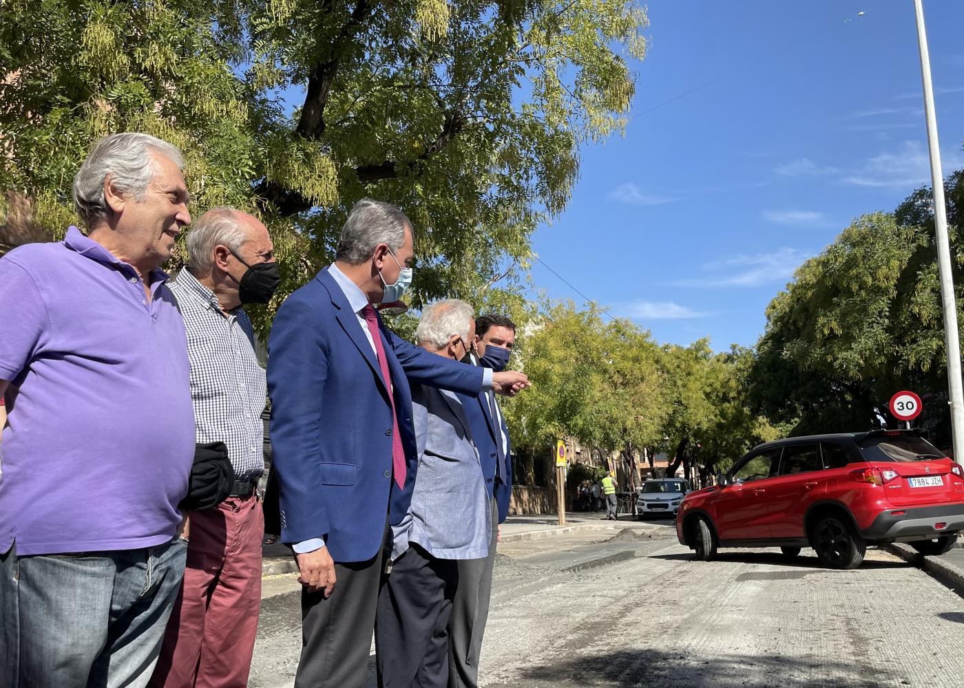 """Sanz lamenta la """"falta de coordinación"""" en las obras de pavimentación de Miraflores"""